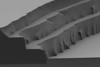 The layer-by-layer solar thermal fuel polymer film comprises three distinct layers (4 to 5 microns in thickness for each). Cross-linking after each layer enables building up films of tunable thickness. Courtesy of the researchers